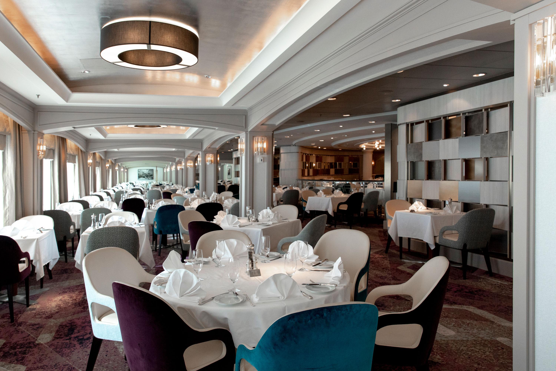 Waterside / Dining Room - Crystal Serenity