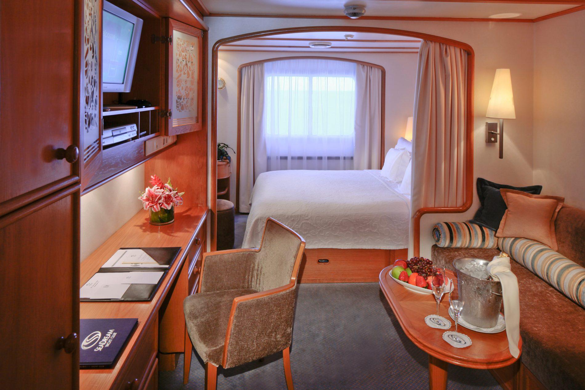 Yacht Club StateroomKat GTY / Y2 / Y3 / Y4 - Sea Dream I